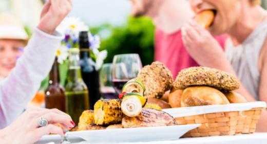 טיפים לדיאטה נכונה ושמירה על המשקל - אכילה מחוץ לבית