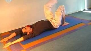 תרגילי יוגה לכאבי גב תחתון