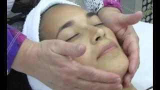 דיקור קוסמטי   טיפול פנים