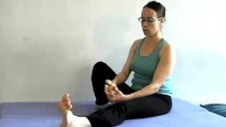 יוגה טיפולית - תרגיל  חימום מפרקים 1