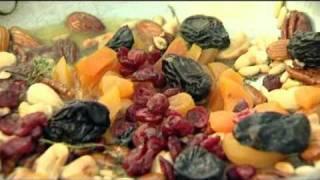 מתכון סלט פירות יבשים אגוזים גבינה ותרד / איטלקיה בתחנה