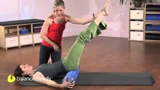 עבודה על שרירי בטן תחתונה בעזרת גליל