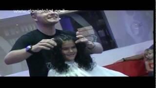 מעצבי שיער בישראל דניאל מאילת-תספורות לילדות מתולתלות