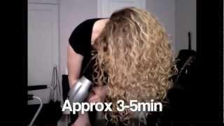 איך לעצב שיער מתולתל
